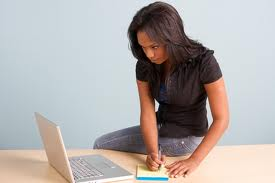 woman-googling
